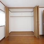 6帖洋室。各室収納スペースがあります!(周辺)